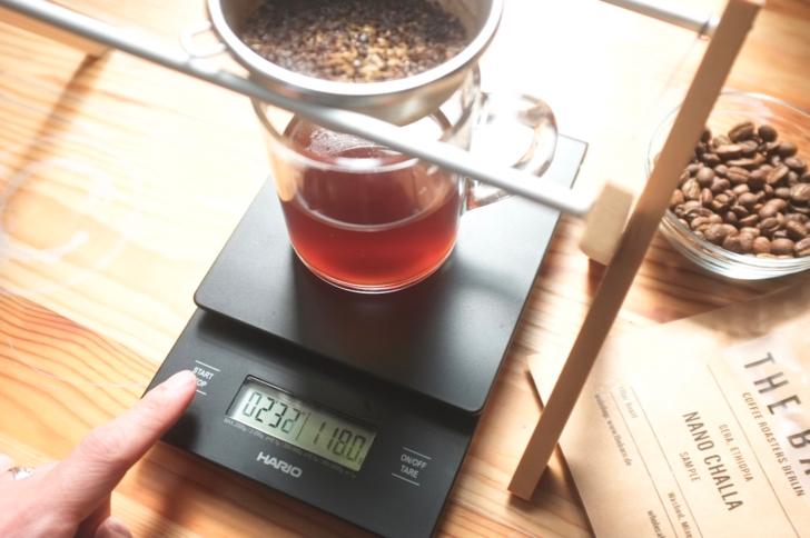 ハリオドリップスケールでコーヒー量を計る