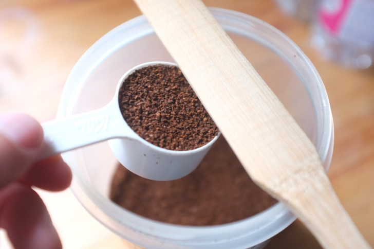 コーヒー粉のスプーンすりきり1杯