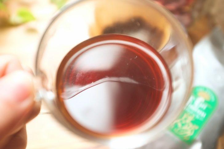 カフェーパウリスタ森のコーヒーをドリップ
